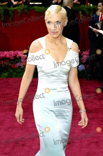 ANNIE LENOX Photo - Acadamy Awards 29 February 2004 Annie Lenox Photo ByallstarGlobe Photos Inc 2004