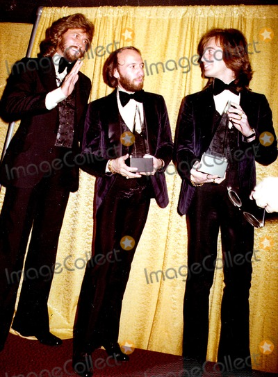 The Bee GEES Photo - The Bee Gees Barry Maurice and Robin Gibb at the American Music Awards 1979 Ed GellerGlobe Photos Inc Mauricegibbretro