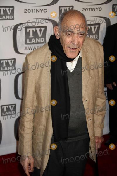 Abe Vigoda Photo - Abe Vigoda at Tv Land Awards 2011 at Javits Center New York City 04-10-2011 Photo by John BarrettGlobe Photos Inc