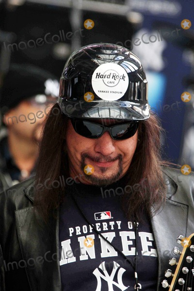 Ace Frehley Photo - Ace Frehley (of Kiss Group) at Opening of Hard Rock Cafe at New Yankee Stadium New York 04-02-2009 Photos by John Barrett-Globe Photos Inc2009