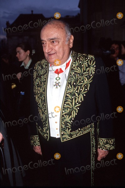 Henri Verneuil Photo - Imapressstephane Benito - 06-12-00- Henri Verneuil a Lacademie Francaise (the French Director Henri Verneuil Passed Away Today 1112002 at the Age of 81) Credit ImapressGlobe Photos Inc