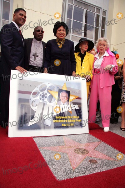 Johnny Grant Photo - I14749CHW  Congresswoman Diane Watsons Legislation Dedicates The Hollywood Station Post Office To Former Honorary Mayor Johnny Grant Hollywood Station Post Office Hollywood CA 05102010  POSTMASTER  MARK H ANDERSON CONGRESSWOMAN DIANE WATSON ANNE JEFFREYS AND ANN RUTHERFORD  Photo Clinton H Wallace-Photomundo-Globe Photos Inc 2010