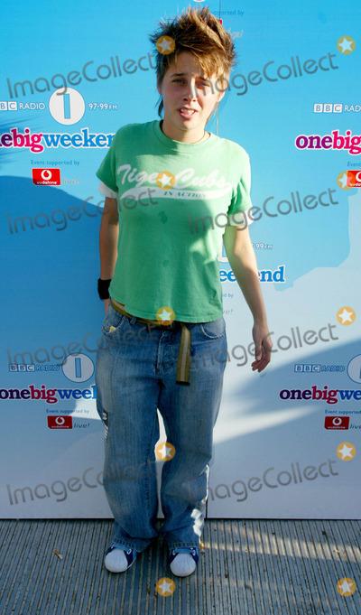Alex Parks Photo - Alex Parks (Fame Academy Winner 2003) - Radio One Big Weekend -Cardiff Wales 9132003 Photo Byellis ObrienglobelinkukGlobe Photos Inc 2003