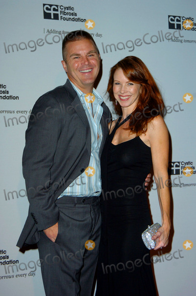 Aaron McPherson Photo - Aaron McPherson and Challen Cates during the Cystic Fibrosis Foundations Los Angeles Chapter inaugural ALFRED HITCHCOCK LEGACY TRIBUTE GALA  held at Globe Theater at Universal Studios on November 8 2009 in Los AngelesPhoto Jenny Bierlich - Globe Photos Inc 2009K63764JB