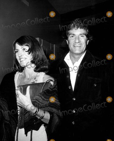 Hugh OBrian Photo - Elaine Johnson and Hugh Obrian 1974 1970s 1769 Nate CutlerGlobe Photos Inc