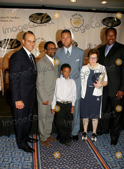 Adele Photo - I10912DEREK JETER AND GUESTS DISCUSS HIS TURN 2 FOUNDATION AT THE 10TH ANNUALTURN 2 FOUNDATIONS DINNER AND AWARDS CEREMONY MARRIOTT MARQUEE 06-29-2006PHOTO BARRY TALESNICK-IPOL-GLOBE PHOTOS INCJOE TORRE SPIKE LEE AND SON  DEREK JETER DAVE WINFIELD AND ADELE SMITHERS