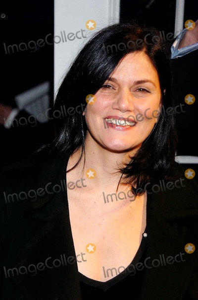 Linda Fiorentino Pictures And Photos