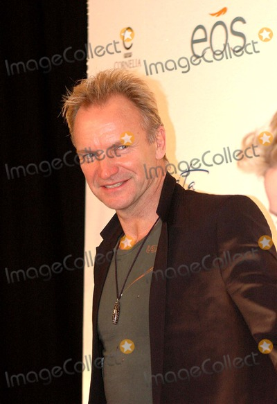 Sting Photo - K45836KRLA DOLCE VITA FUNDRAISER HOSTED BY STING AND TRUDIE STYLER TO SUPPORT THE SOIL ASSOCIATIONS INTERNATIONAL FOOD FOR LIFE CAMPAIGNAT THE METROPOLITAN PAVILION NEW YORK CITY 11-03-2005PHOTO BY KEN RUMMENTS-GLOBE PHOTOS INC  2005STING AND TRUDIE STYLER