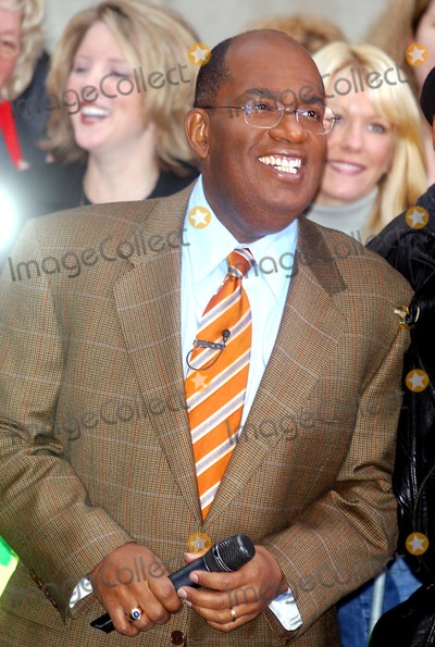 Al Roker Photo - Sd1115 Phil Collins Live on NBC Today Show at Rockefeller Center in New York City Photo by John BarrettGlobe Photos Inc 2002 AL Roker