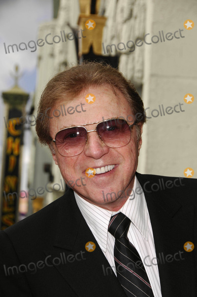 Steve Lawrence Photo - Steve Lawrence During a Ceremony Honoring Producer Lew Wasserman Posthumously with a Star on the Hollywood Walk of Fame on 10-05-2007 in Los Angeles Photo Michael Germana - Globe Photos Inc