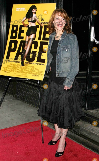 Bettie Page Photo - NY Premiere of the Notorious Bettie Page at Amc Loews 19st East Date 04-10-06 Photo by John Barrett-Globe Photosinc Lili Taylor