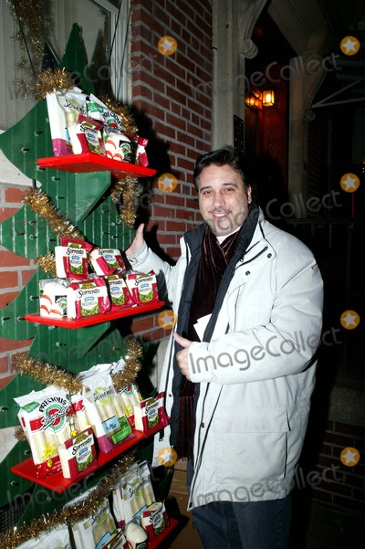 The Sopranos Photo - Sorrento Cheese Holds Tree Lighting Ceremony in Little Italy Lou Martini Played Johnnie Sacks Brother - in - Law in the Sopranos Photos  Bruce Cotler 2007 12-1 - 07