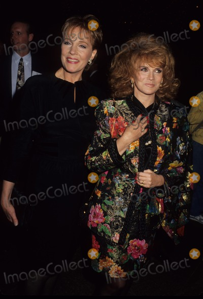 Ann-Margret Photo - Julie Andrews with Ann Margret L1442 L1442 Supplied by Globe Photos Inc