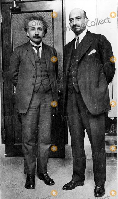 Albert Einstein Photo - Dr Albert Einstein Globe Photos Inc