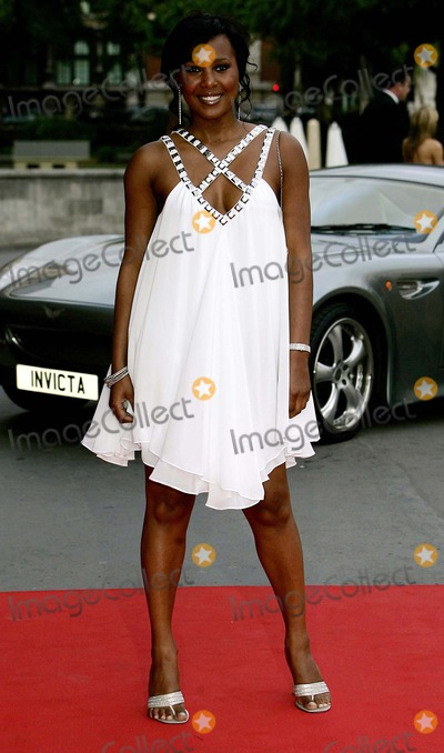 Kelli Young Photo Kelli Young Singer Arrives For The Bedrock Ball An Annual Fundraiser In