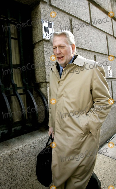 Bernard Ebbers Photo - Bernard Ebbers Arrives at Court Where the Jury in His 11 Billion Dollar Fraud and Conspiracy Trial Was Expected to Be Charged For Their Deliberations of His Guilt or Innocence 3-4-2005 Photo Byrick Maiman-Globe Photos Inc
