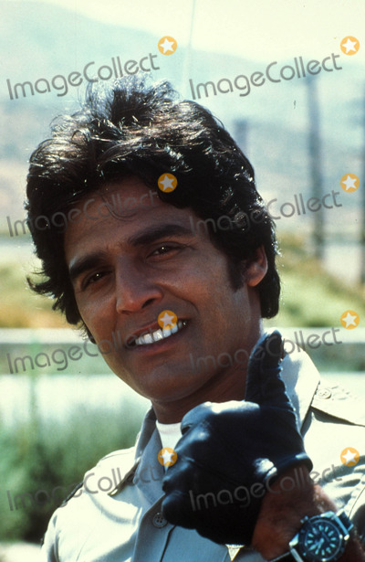 Tv-film Still Photo - Erikestradaretro Erik Estrada Chips Tv-film Still R0448 1979 Photo Supplied by Globe Photos