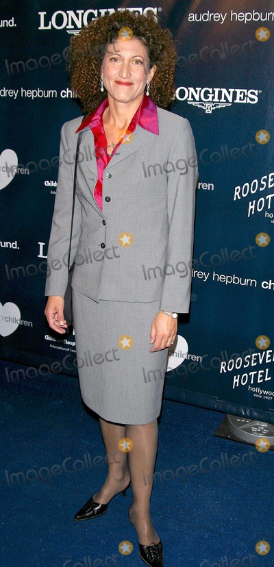 Amy Aquino Photo - Amy Aquino K27141mr Hollywood Honors Audrey Hepburns Heart For Children Roosevelt Hotel Hollywood Los Angeles CA November 14 2002 Photo by Milan RybaGlobe Photos Inc