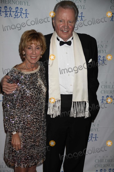 Nancy Spielberg Photo - Nancy Spielbergjohn Voight at the Children of Chernobyl Hosts Children at Heart Gala Dinner at Chelsea Piers 60 11-21-2011 Photo by John BarrettGlobe Photos Inc