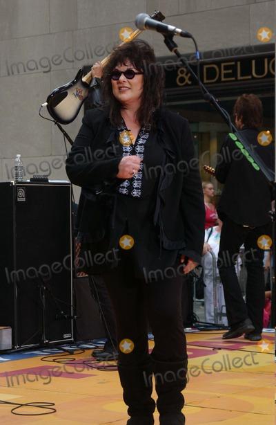 Ann Wilson Photo - Nbcs Today Show Summer Coincert Series at the NBC Studios in Rockefeller Center  New York City 06262004 Photo Ken Babolcsay Ipol Globe Photos Inc 2004 Ann Wilson