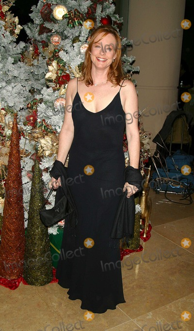 Mary McDonough Photo - an Evening to Remember Rosemary Clooney Merv Griffins Beverly Hilton Hotel Beverly Hills CA 121002 Photo by Milan Ryba Globe Photos Inc 2002 Mary Mcdonough