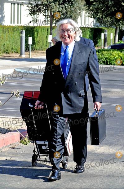 Thomas Mesereau Jr Photo - Michael Jackson Pretrail Hearing at Santa Barbara County Superior Court Santa Maria CA (081604) Photo by Milan RybaGlobe Photos Inc2004 Thomas Mesereau Jr (Michael Jacksons Lawyer)