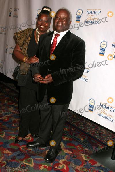 Art Evans Photo - the 18th Annual Beverly Hillshollywood Naacp Theatre Awards Kodak Theatre Hollywood CA 063008 Art Evans and Wife Babe Evans Photo Clinton H Wallace-photomundo-Globe Photos Inc