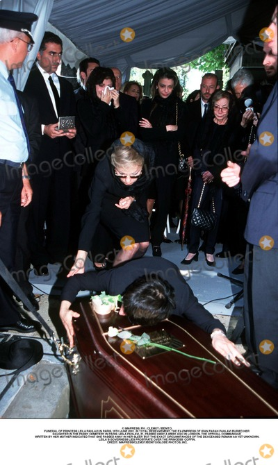 As Yet Photo - IMAPRESS PH  CLEMOT  BENITOFUNERAL OF PRINCESS LEILA PAHLAVI IN PARIS 16TH JUNE 2001 IN TOTAL BEREAVEMENT THE EX-EMPRESS OF IRAN FARAH PAHLAVI BURIED HER DAUGHTER IN THE PASSY CEMETERY IN PARIS LEILA PAHLAVI 31 PASSED AWAY A WEEK AGO IN LONDON THE OFFICIAL COMMUNIQUE WRITTEN BY HER MOTHER INDICATED THAT SHE PASSED AWAY IN HER SLEEP BUT THE EXACT CIRCUMSTANCES OF THE DEACEASED REMAIN AS YET UNKNOWNLEILAS GOVERNESS LIES PROSTRATE OVER THE PRINCESS COFFINCREDIT IMAPRESSCLEMOTBENITOGLOBE PHOTOS INC