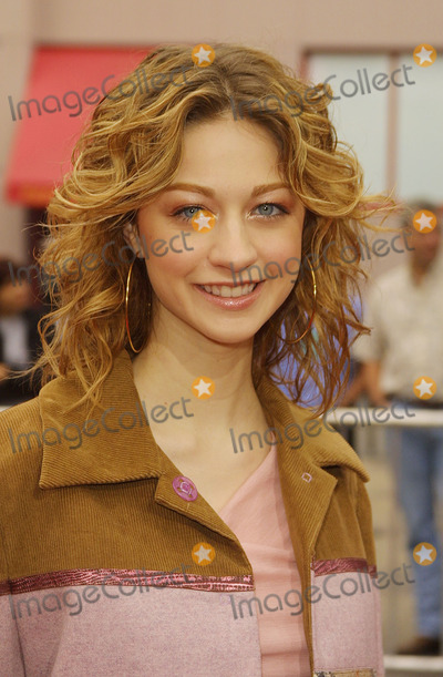 Alecia Elliott Photo - Alecia Elliott Prancer Returns - Premiere Universal Studios Hollywood Universal City CA November 10 2001 Photo by Nina PrommerGlobe Photos Inc 2001 K23339np (D)