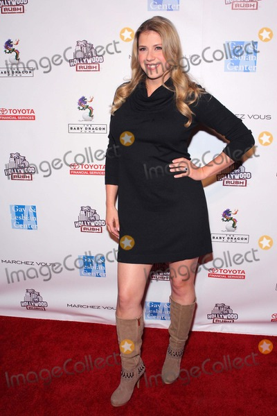 Jodie Sweetin Photo - Jodie Sweetin Annual Hollywood Rush Held at the Wilshire Ebell Theatrelosangelescafebruary 19 - 2012phototleopoldGlobephotos