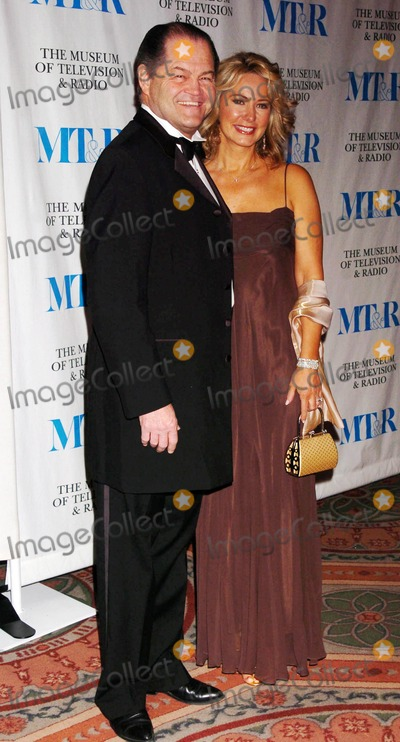 Micky Dolenz Photo - the Museum of Television and Radio to Honor Merv Griffin at Its Annual New York Gala at the Waldorf-astoria  New York City 05-26-2005 Photo by John Krondes-Globe Photosinc Micky Dolenz