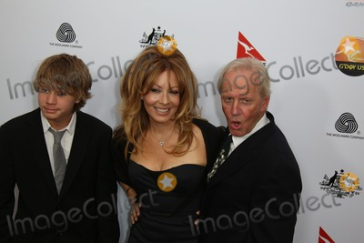 Linda Kozlowski Photo - Actors Paul Hogan (r-l) Linda Kozlowski and Their Son Chance Attend the Gday USA Los Angeles Black Tie Gala at Hotel Jw Marriott in Los Angeles USA on 12 January 2013 Photo Alec Michael
