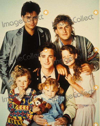 Andrea Barber Photo - Jodie Sweetin Full House Cast John Stamos Dave Coulier Candace Cameron Jodie Sweetin Andrea Barber and Olsen Twins Supplied by Globe Photos Inc