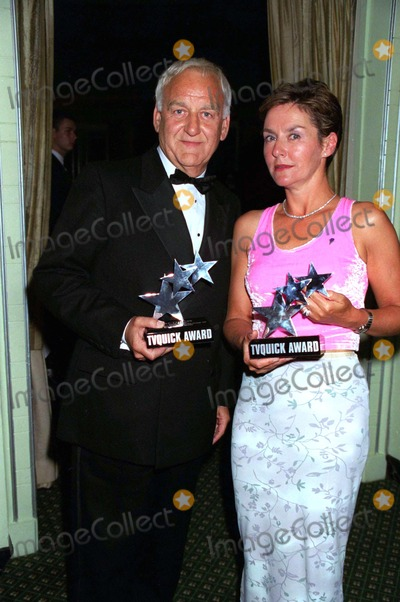 Amanda Burton Photo - 0999 London John Thaw (Best Actor)  Amanda Burton (Best Actress) -3rd Annual Tv Quick Awards at the Dorchester Hotel Park Lane