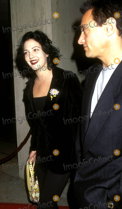Cary Woods Photo - Beautiful Girls Premiere in Century City CA Drew Barrymore_cary Woods Photo by Lisa RoseGlobe Photosinc