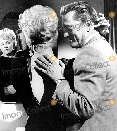 Kim Novak Photo - Kim Novak and Kirk Douglas Supplied by Don OrnitzGlobe Photos Inc Kirkdouglasretro