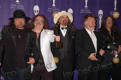 Artimus Pyle Photo - 1306 Waldorf-astoria Hotel NYC 21st Annual 2006 Rock and Roll Hall of Fame Induction Ceremony Photo Ken Babolcsay-ipol-Globe Photos Inc 2006 I10550kba Gary Rossington Bill Powell Artimus Pyle Ed King Bob Burns Lynyrd Skynyrd