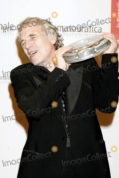 Abel Ferrara Photo - Abel Ferrara Jury Special Price For Mary 62 Venice Film Festival Venice  Italy 9-11-2005 Photo Byroger Harvey-Globe Photos Inc