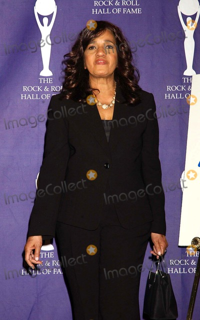 The Ronettes Photo - Honorees and Presenters at the 2007 Rock and Roll Hall of Fame Induction Party Waldorf-astoria Hotel 03-12-2007 Photo by Ken Babolcsay-ipol-Globe Photos 2007 Estelle Bennett of the Ronettes