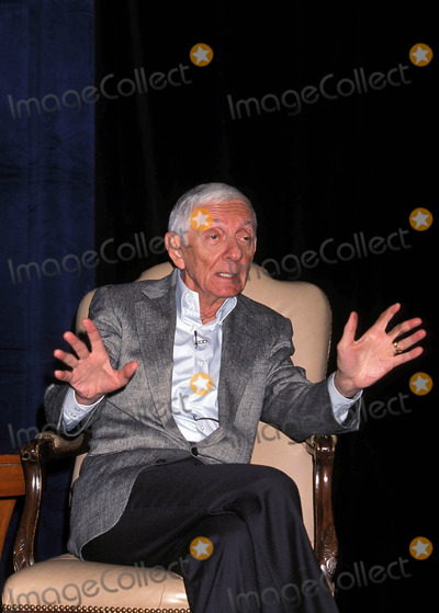 Aaron Spelling Photo - 90210 Press Conference Century City California 08-18-1998 Aaron Spelling Photo by Milan Ryba-Globe Photos Inc