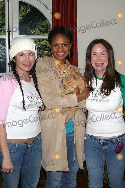 Ellen Lavinthal Photo - Ho-ho Holiday Shopping Party at Private Residence in Beverly Hills CA 12-01-04 Photo by Milan RybaGlobe Photos Inc2004 Deborah Corday Kimberly Elise Ellen Lavinthal