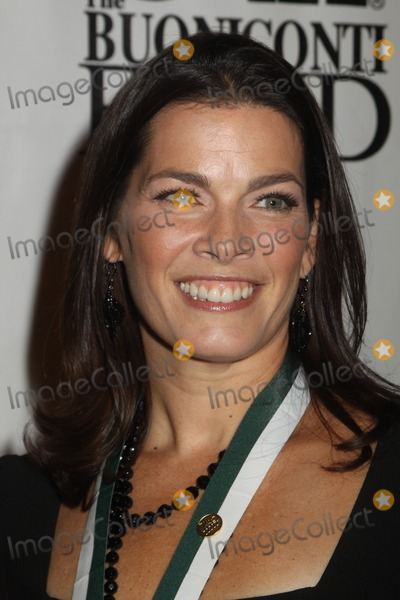 Nancy Kerrigan Photo - NANCY KERRIGANThe Buoniconti fund hosts star studded 26th annual Great Sports Legends Dinner at Waldorf Astoria Hotel in New York City 09-26-2011Photo by Mitchell Levy-Globe Photos incThe Buoniconti fund hosts star studded 26th annual Great Sports Legends Dinner at Waldorf Astoria Hotel in New York City 09-26-2011Photo by Mitchell Levy-Globe Photos inc