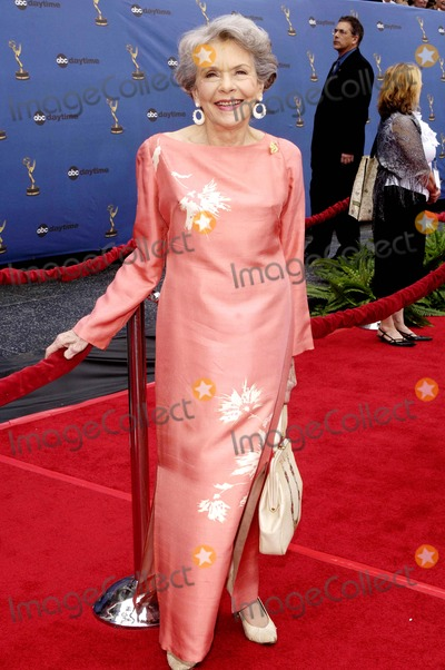 Helen Wagner Photo - Annual Daytime Emmy Awards Held at the Kodak Theatre in Hollywood California on April 282oo6 Photo Hakim  Globe Photos Inc 2006 K47688vg Helen Wagner