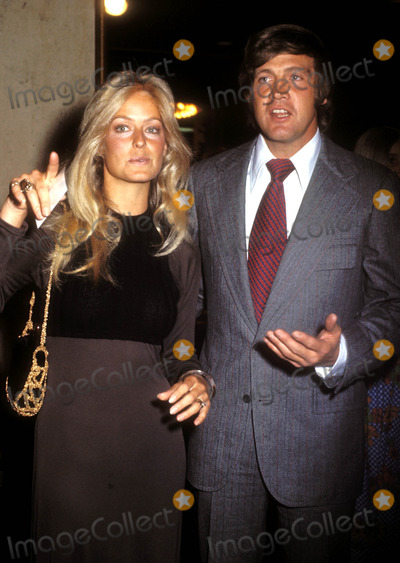 Farrah Fawcett-Majors Photo - Farrah Fawcett_lee Majors Photo by Phil RoachipolGlobe Photosinc