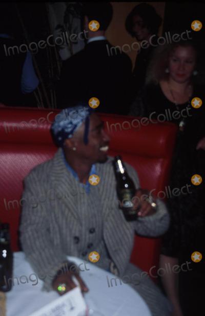 Tupac Shakur Photo - Tupac Shakur L9519jbb Sd1013 I Like It Like That Premiere Photojohn BarrettGlobe Photos Inc