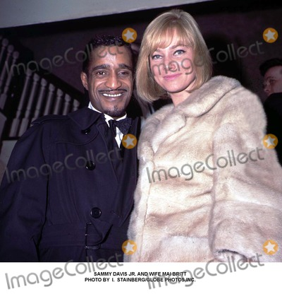 Mai Britt Photo - Sammy Davis Jr and Wife Mai Britt Photo by I StainbergGlobe Photosinc