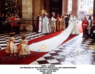 Lady Diana Photo - 2981 - London the Wedding of Hrh Prince of Wales and Lady Diana Spencer at St Pauls Cathedral Credit  Uppa Ipol B39 038138 Credit Photographer NameipolGlobe Photos Inc
