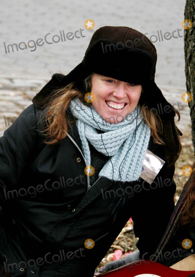 Amy Redford Photo - On Film Setthe Guitar in Tompkins Park Amy Redfordrobert Redford Daughter Is Directer of Film Date 01-22-07 Photos by John Barrett-Globe Photosinc Amy Redford