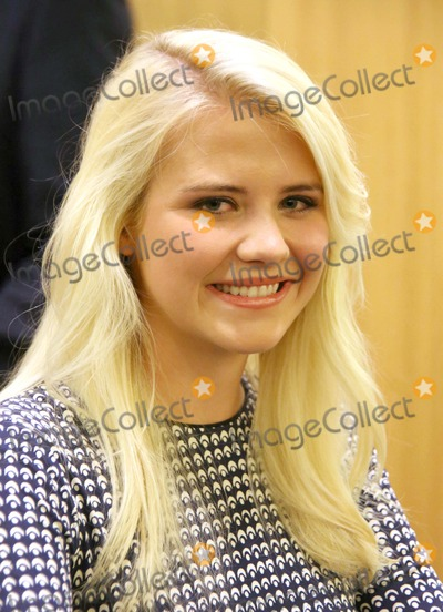 Elizabeth Smart Photo - Elizabeth Smart Appearance and Book Signing For Her Book My Story Barnes and Noble Upper East Side NYC October 8 2013 Photos by Sonia Moskowitz Globe Photos Inc 2013 Elizabeth Smart
