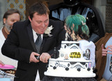 Photo - Fans Get Married With Star Wars Themed Wedding